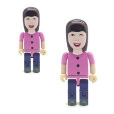 woman-usb-people-sticks